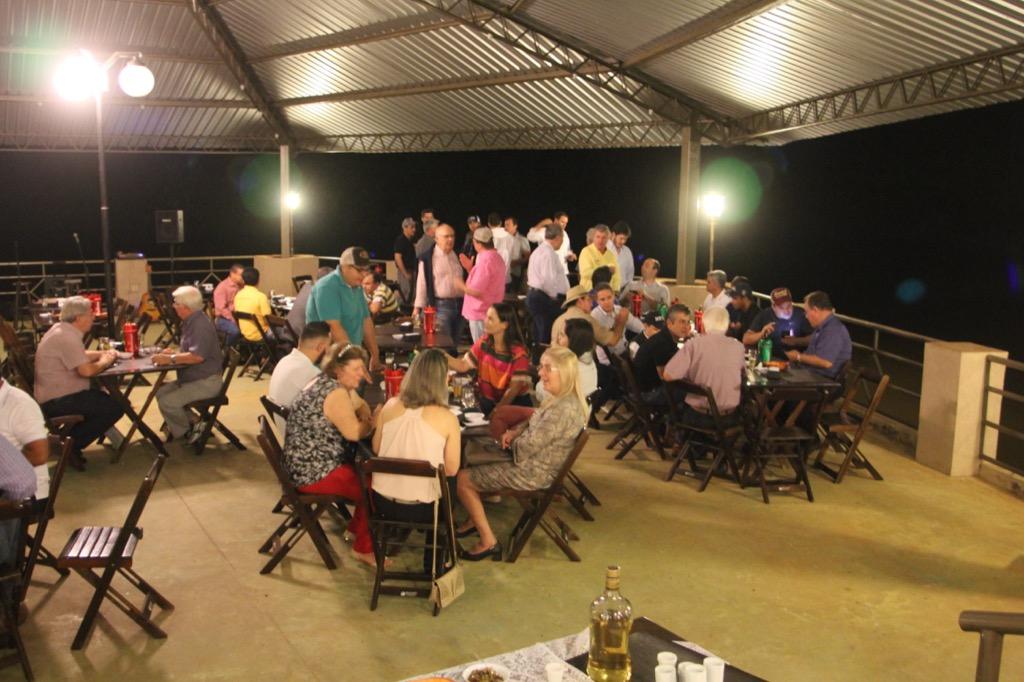 Fazenda da Grama mostra resultados da 13a edição do Safiras do Senepol a 130 pessoas de 55 criatórios de 9 estados. (Fotos: Assessoria de Comunicação Grama Senepol)