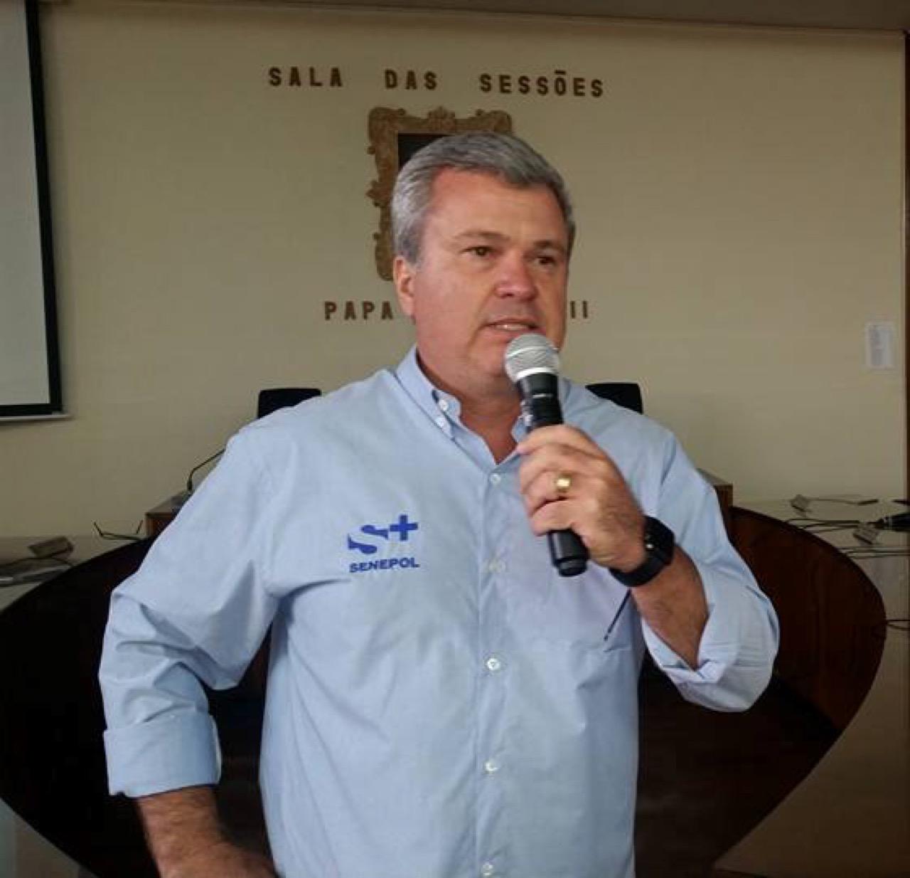 Júnior Fernandes, da Grama e da S+, abriu o encontro em Pirajuí agradecendo os mais de 200 presentes à reunião final.