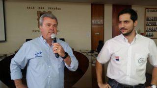 JR Fernandes (esquerda), da Grama e da S+, e Luiz Rodolfo Sabadin, da In Vitro Brasil, em reunião do Safiras do Senepol, em março.