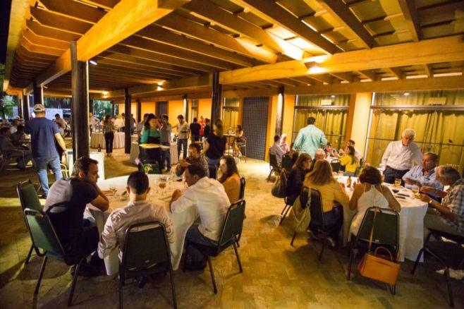 Tradicional confraternização após a reunião aconteceu no ressorte Blue Tree Park, em Lins/SP. (Foto: Cléber Greco / Graco Studios)